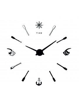 Moderní nástěnné hodiny Ryba. Ciferník černá barva. Ručičky silver.