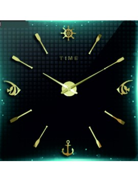 Nástěnné hodiny Ryba. Zlatá barva.