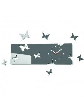 Nástěnné hodiny motýl. Klára. Barva šedá. Rozměr 60 x 49 cm