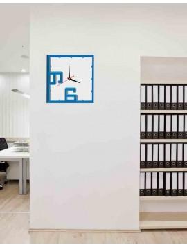 Barevné plastové hodiny na stěnu - NORMA, barva: modrá, světlá modrá, bílá