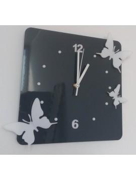 Moderní nástěnné hodiny z plastu-Motýli, Barva: šedá, bílá, Rozměr: 30x30 cm