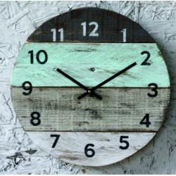 Dřevěné hodiny na chalupu. BABIČKA