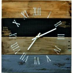 Dřevěné hodiny rustikální na stěnu ROMAN