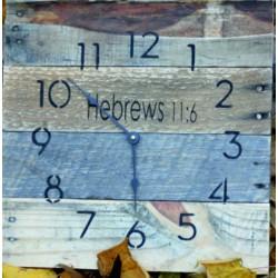 STÝLOVE dřevěné nástěnné hodiny.