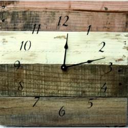 Dřevěné hodiny plážový styl hurá moře.