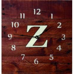 Dřevěné hodiny elegantní na stěnu zdraví rodiny.